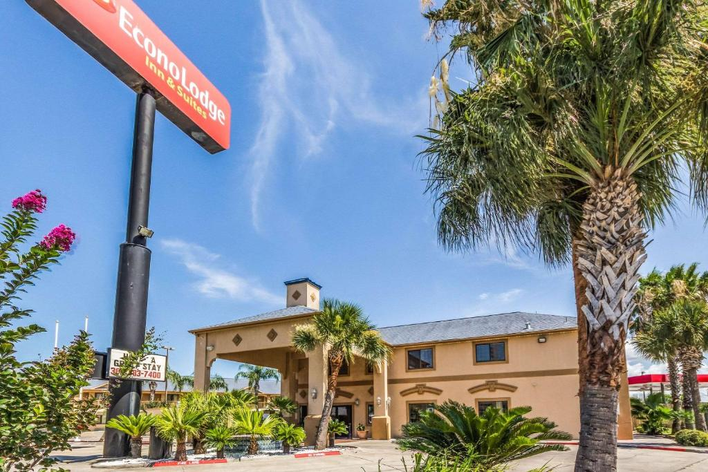 Econo Lodge Suites Corpus Christi Tx Booking Com