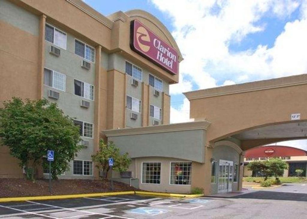 Clarion Hotel Renton Wa Bookingcom