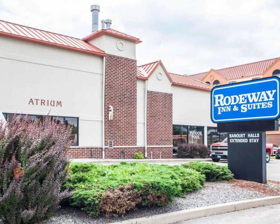 rodeway inn suites milwaukee airp wi booking com rh booking com