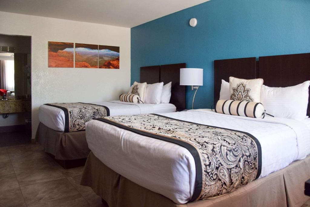 Clarion Inn Tampa - Brandon