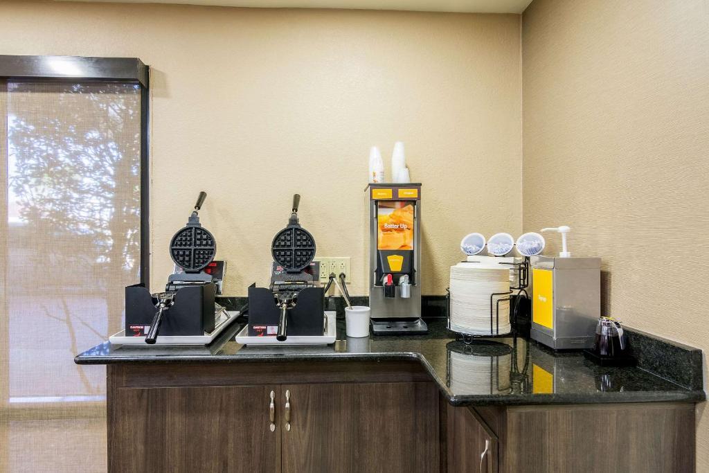 Comfort Inn Usa Pensacola Booking Com