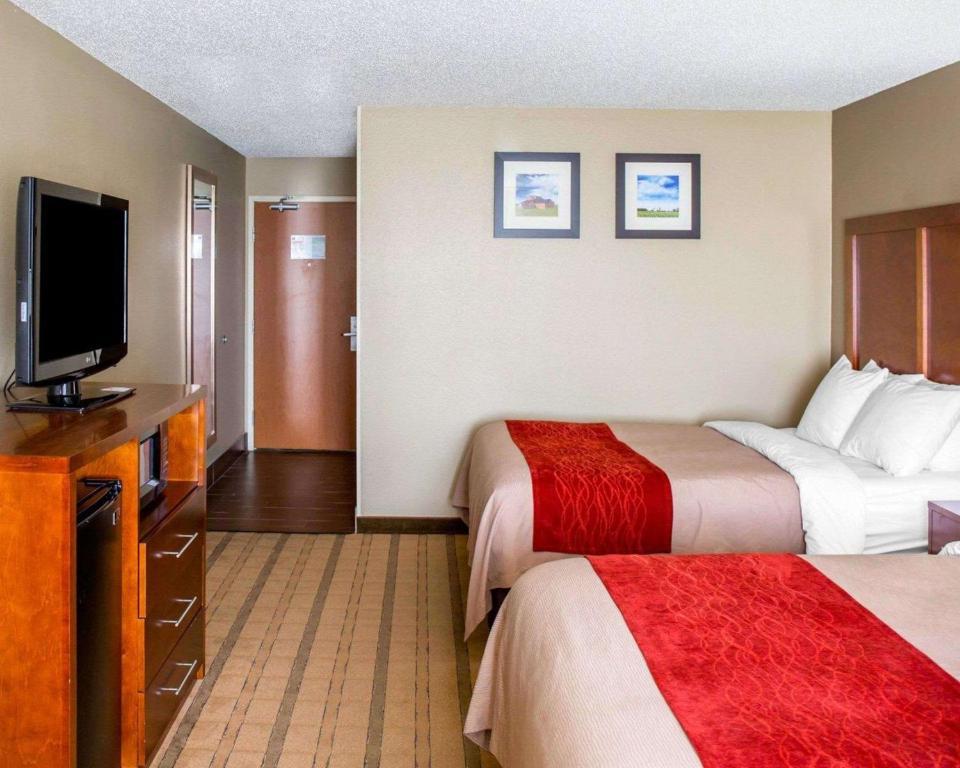 Comfort Inn Suites Coralville Ia Booking Com