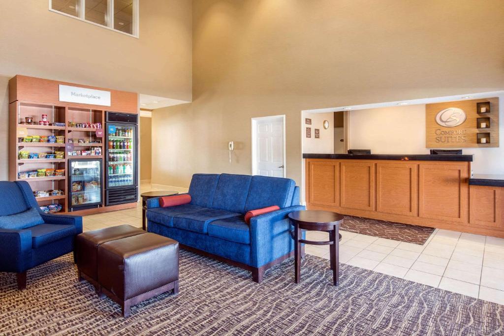 Hotel Comfort Suites Normal University, Bloomington, IL - Booking com