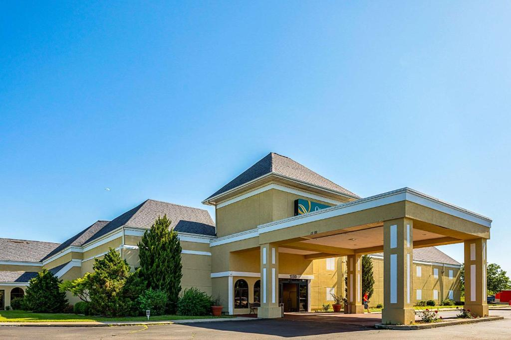 quality inn suites coldwater mi booking com rh booking com hotels in coldwater michigan hotels in coldwater mi with pool