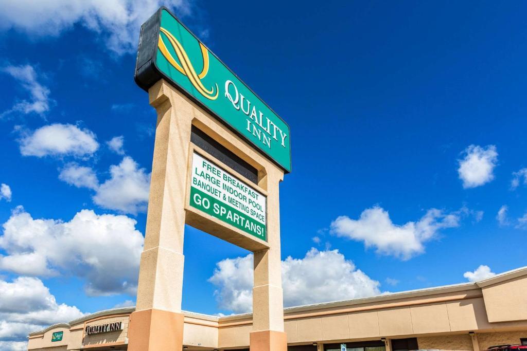 043d0881cc8 University Quality Inn (Estados Unidos da América Lansing) - Booking.com