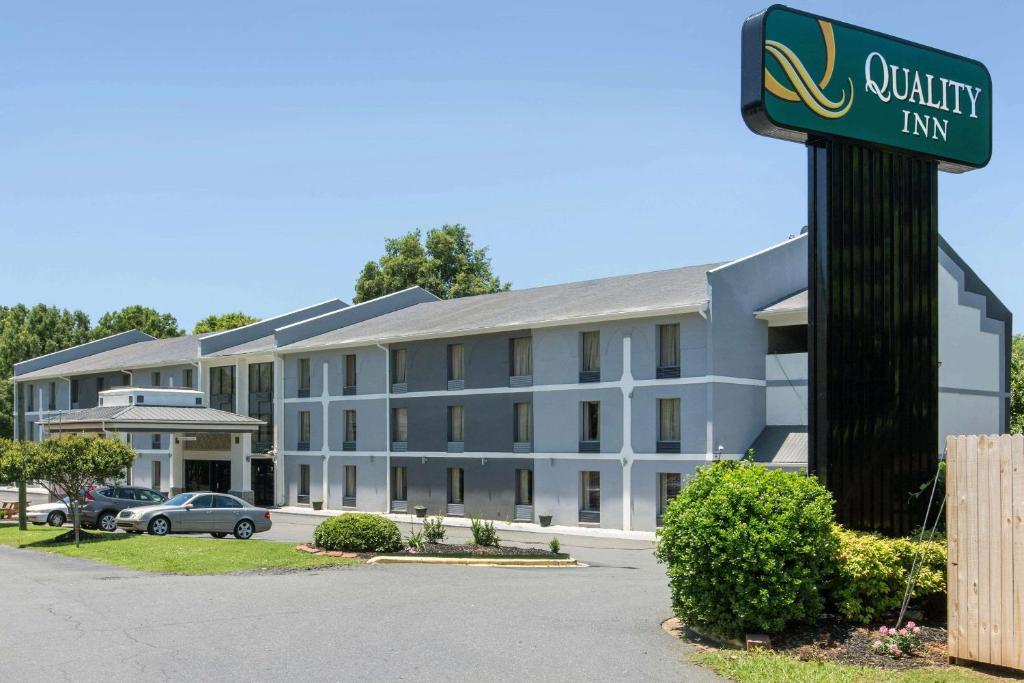 Quality Inn Airport Near Uptown Charlotte Nc Booking Com