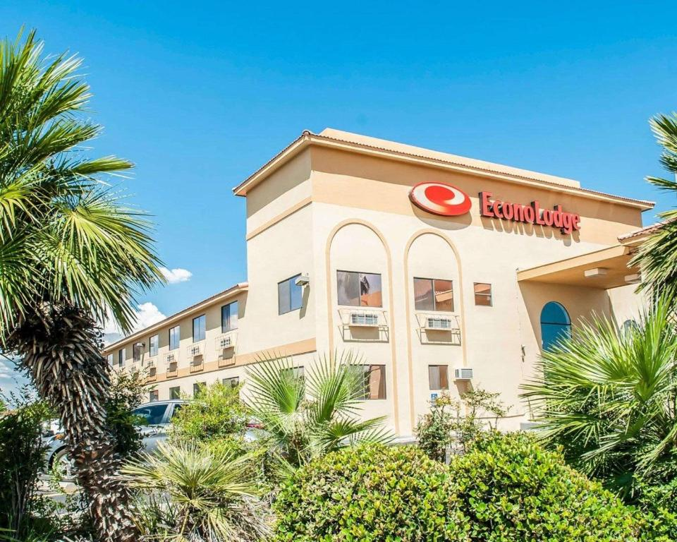 Econo Lodge Las Cruces Nm Booking Com