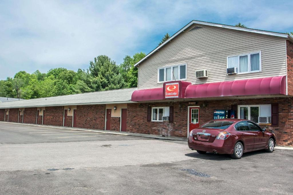 Econo Lodge Hornell Ny Booking Com
