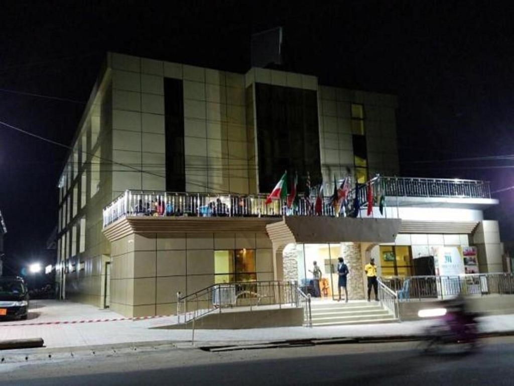 Mbayaville Hotel(ドゥアラ)– ...