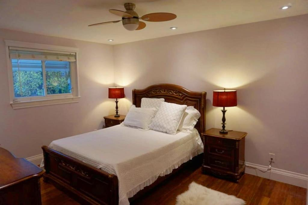 Hotel Immaculate Master Bedroom+ensuite in Newmarket N1, Canada ...