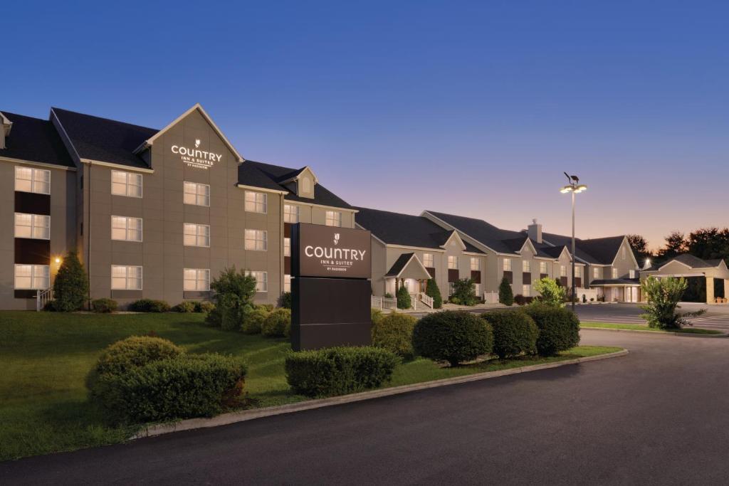 Country Inn Suites Roanoke Va Bookingcom