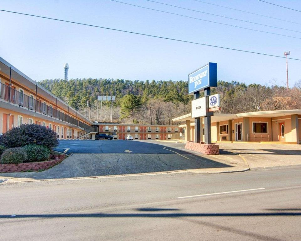 Rodeway Inn Hot Springs Ar Booking Com