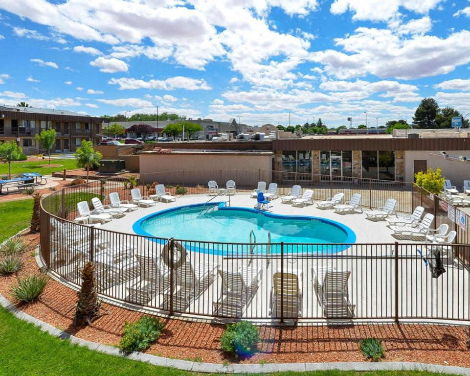 Rodeway Inn At Lake Powell Reserve Now Gallery Image Of This Property