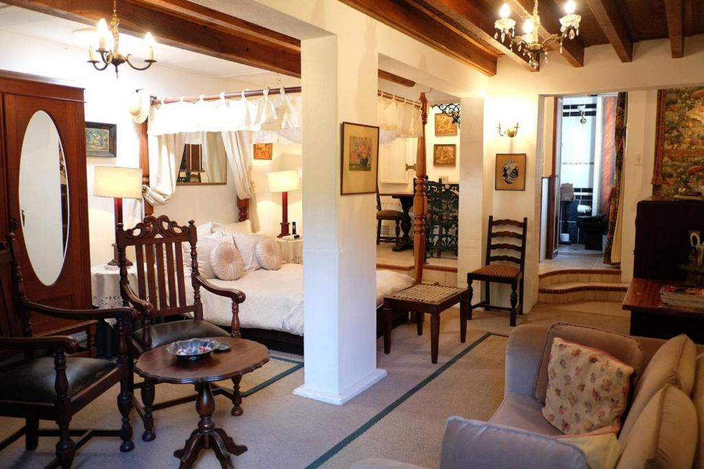 Magnificent Jambo Guest House Garden Suite In Green Point Sudafrika Home Interior And Landscaping Ologienasavecom
