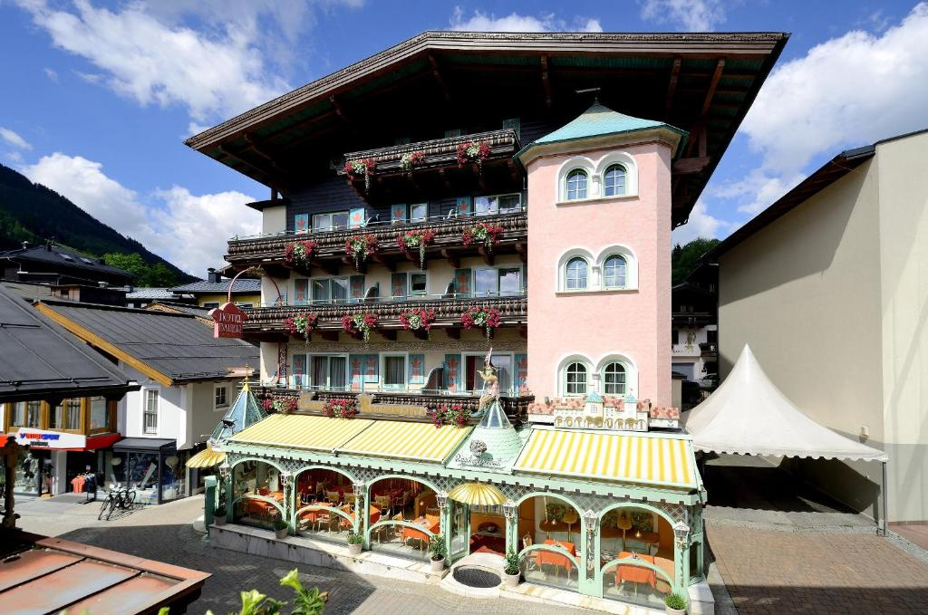 Hotel Bauer Osterreich Saalbach Hinterglemm Booking Com