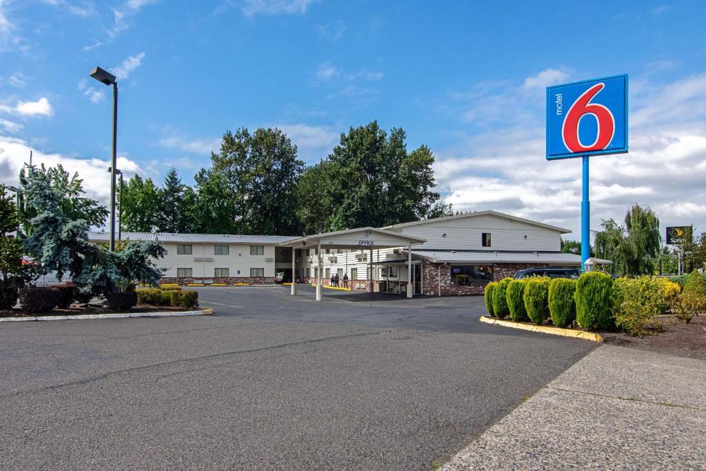 Motel 6 Gresham Or Portland Or Booking