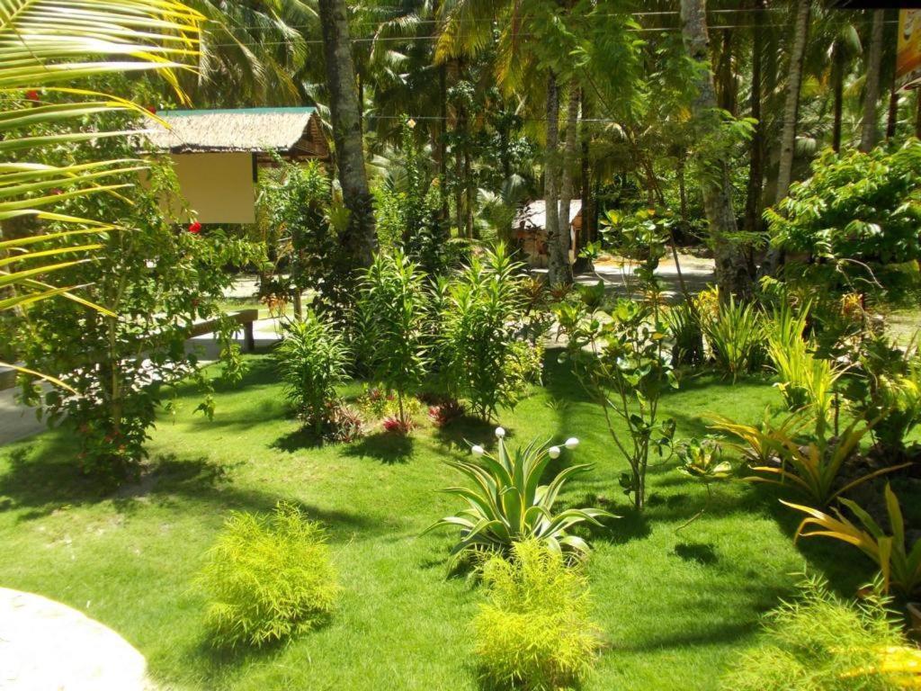 Eddie's Beach Resort Siargao