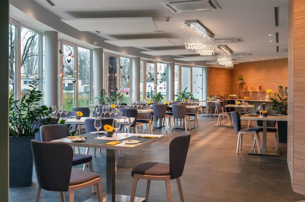 hotel vivaldi pozna poland booking com rh booking com