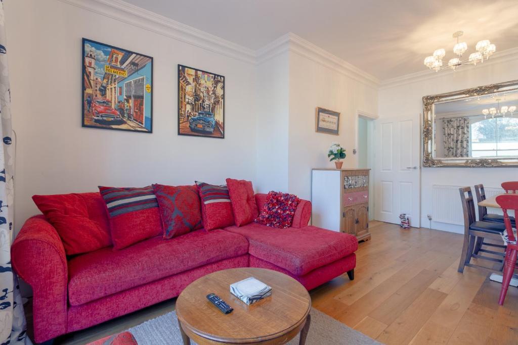 Remarkable 2 Bedroom Victorian Flat In The Heart Of Islington London Ibusinesslaw Wood Chair Design Ideas Ibusinesslaworg