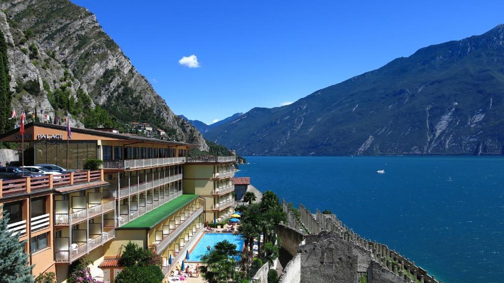 Hotel Splendid Palace Italien Limone Sul Garda Booking Com