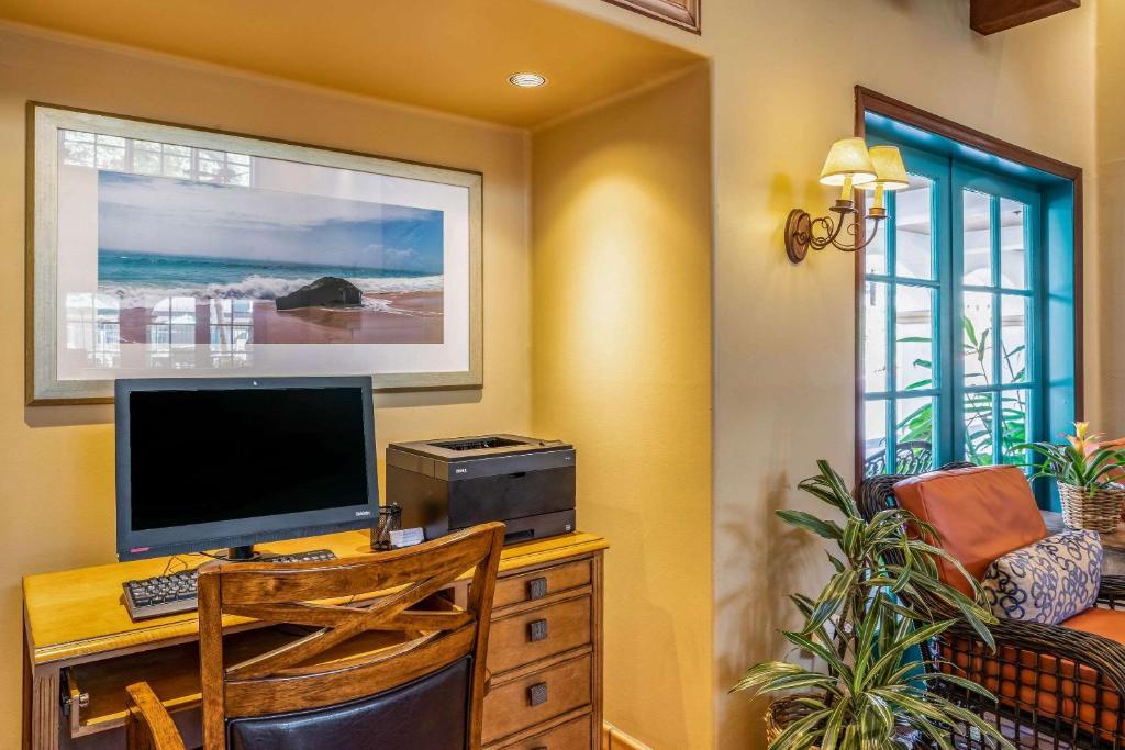Quality Suites Central Coast
