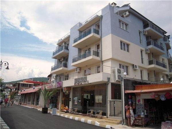 Къща за гости Seaside room in the center of Sveti Vlas - Свети Влас