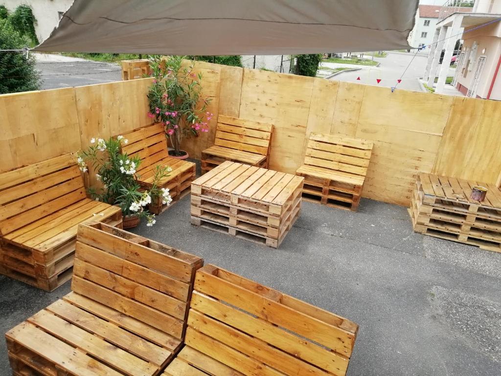 Outdoor Küche Aus Ungarn : Ferienwohnung collingo belvárosi szállás ungarn kazincbarcika
