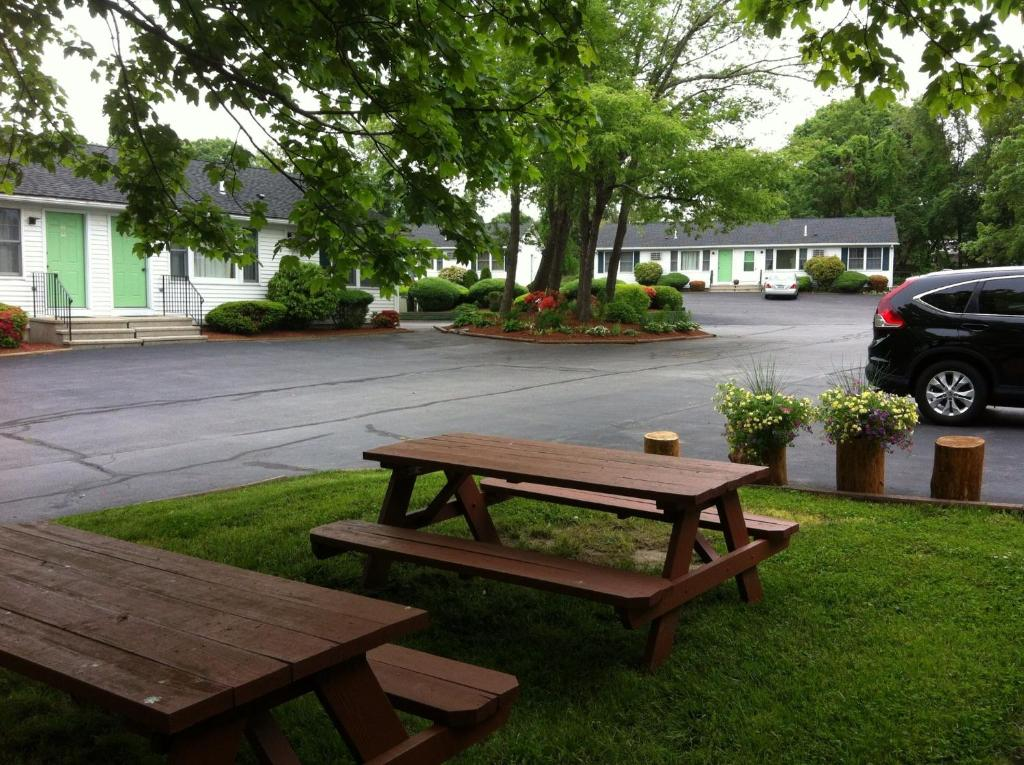 A garden outside Founder's Brook Motel and Suites