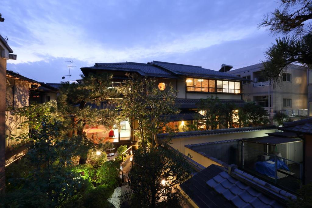 A view of the pool at Kyo-machiya Stay WAKA Fushimiinari or nearby