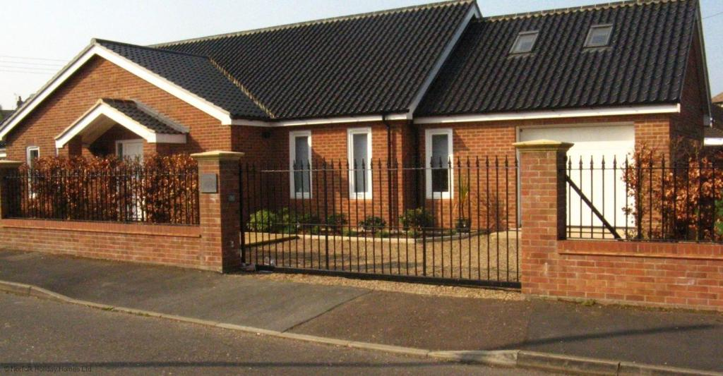Rydal Mount self catering apartment, Hunstanton, Norfolk