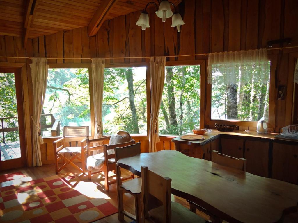 Condo hotel patagonia mawida huilo huilo chile for Fotos de casas prefabricadas