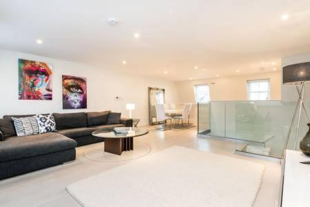 Gallery Image Of This Property 33 Photos Close Soho Luxury Apartment