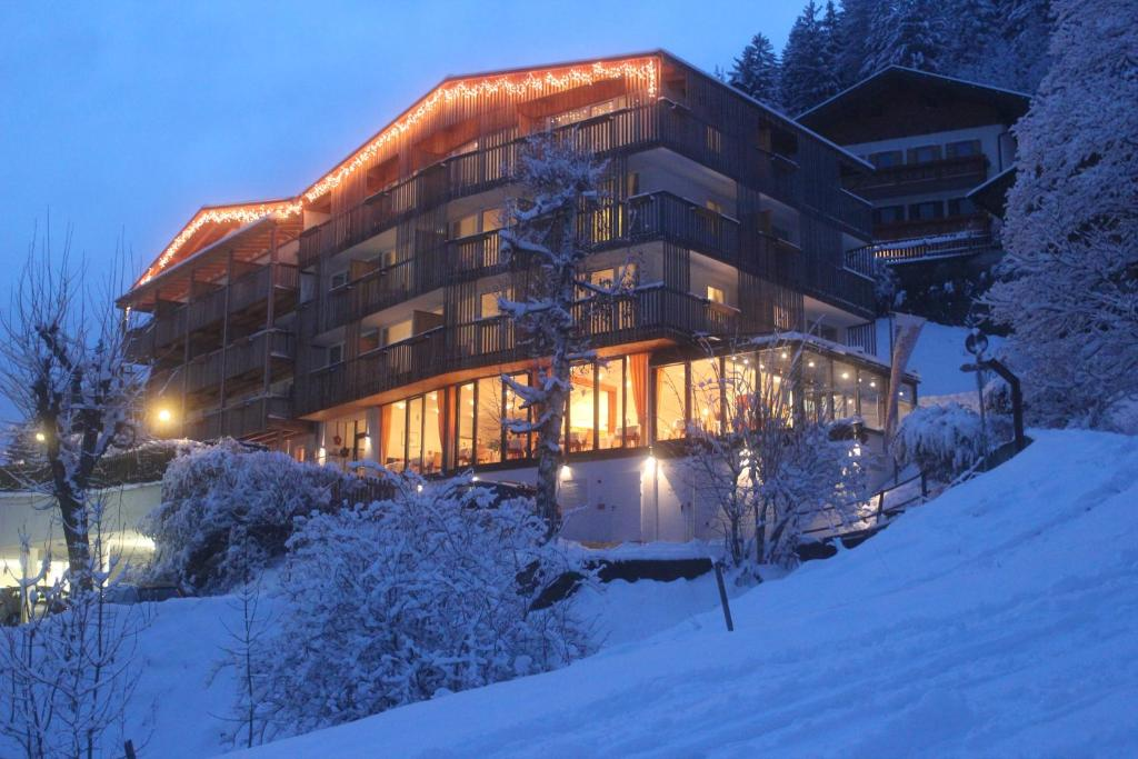 Mounthotel Niggl during the winter