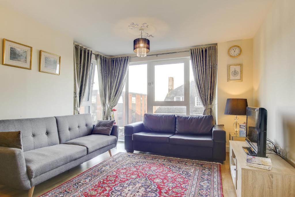 Modern Glenthorne Road Apartment, Londra – Prezzi aggiornati ...