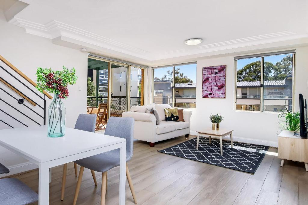 Chatswood Cbd 3 Bedroom Apartment Sydney Australia Booking Com