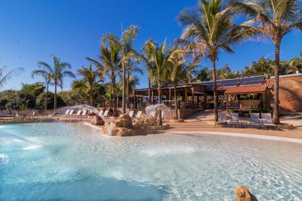 The swimming pool at or near Recanto Alvorada Eco Resort