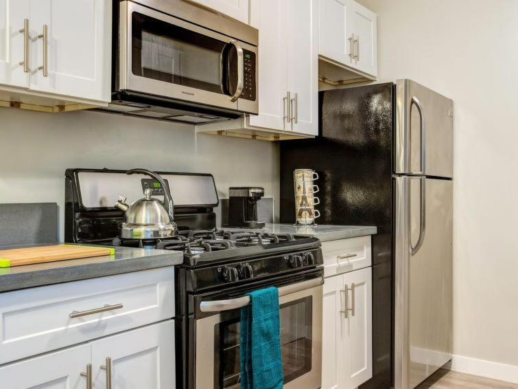 West Hollywood Apartment Sleeps 3 Air Con Wifi Los Angeles
