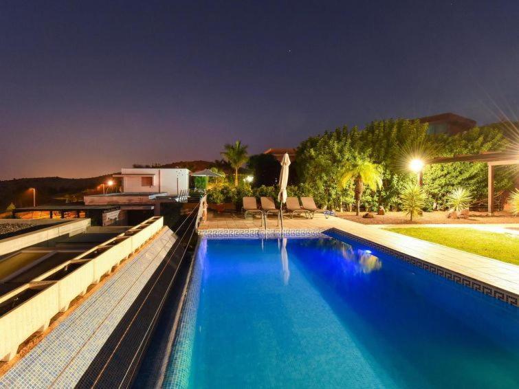 El Salobre Villa Sleeps 6 Pool Air Con WiFi T698701 (España ...