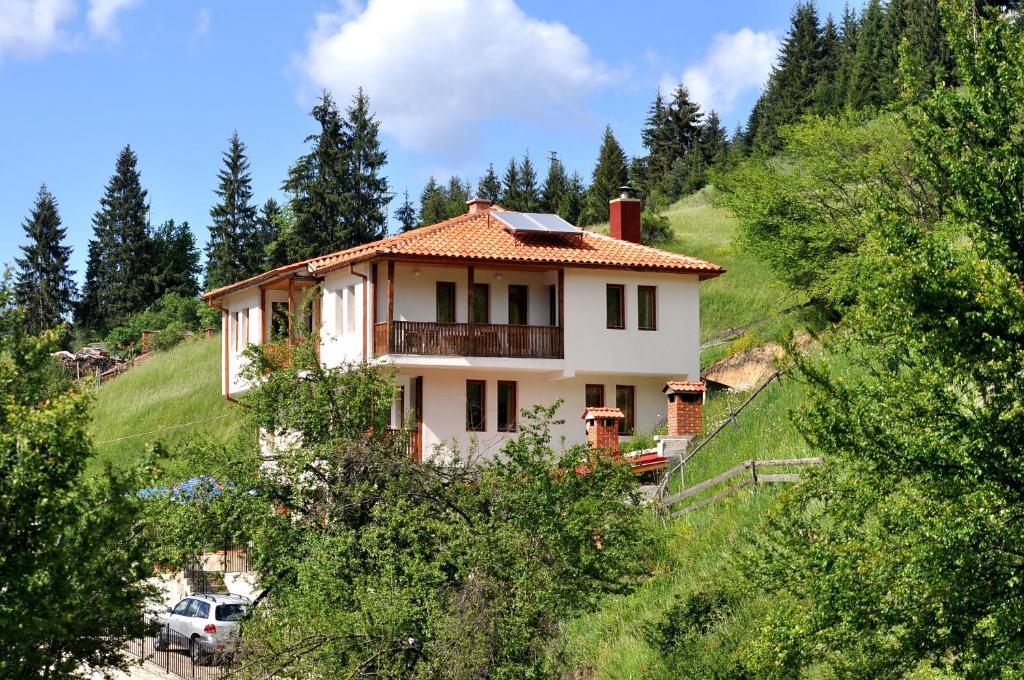 Къща за гости Семеен Хотел Еко - Чепеларе