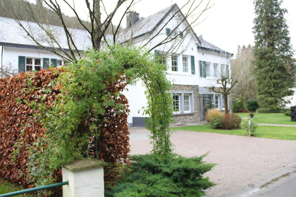 Eti Garden Gite Houffalize Belgie Houffalize Booking Com