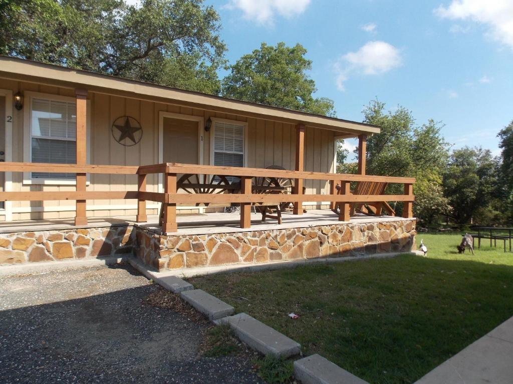 Lodge Canyon Springs Cabins Canyon Lake Tx
