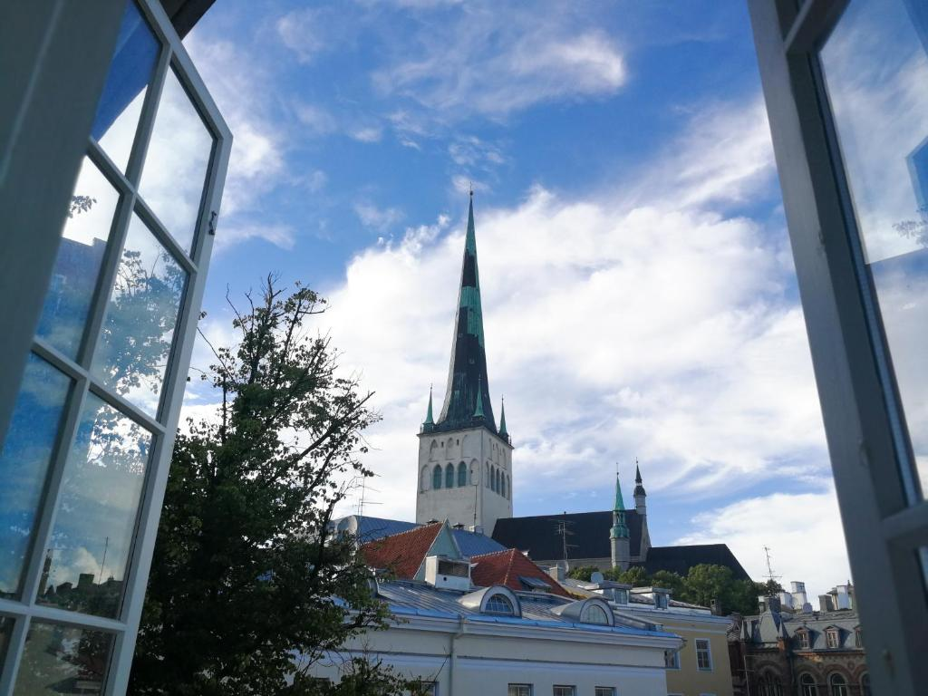 Sunday Morning Imaginary If Only >> Imaginary Hostel Tallinn Estonia Booking Com