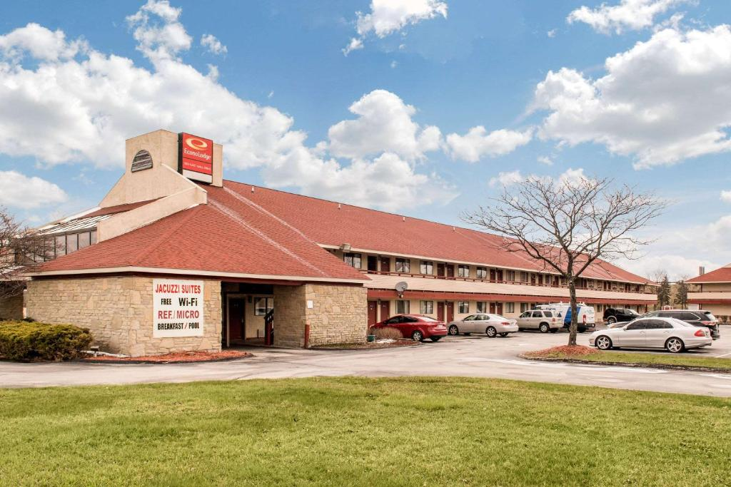 Econo Lodge Holland Oh Booking Com