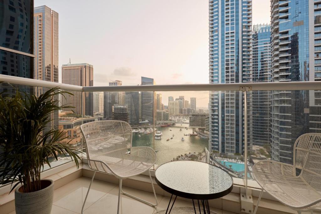 Apartment Fantastay Clara Dubai Marina Uae Booking Com
