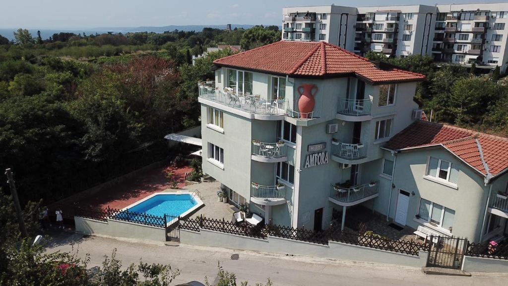 Хотел Амфора - Елена