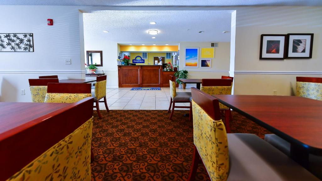 Days Inn Hotel Greensboro Nc