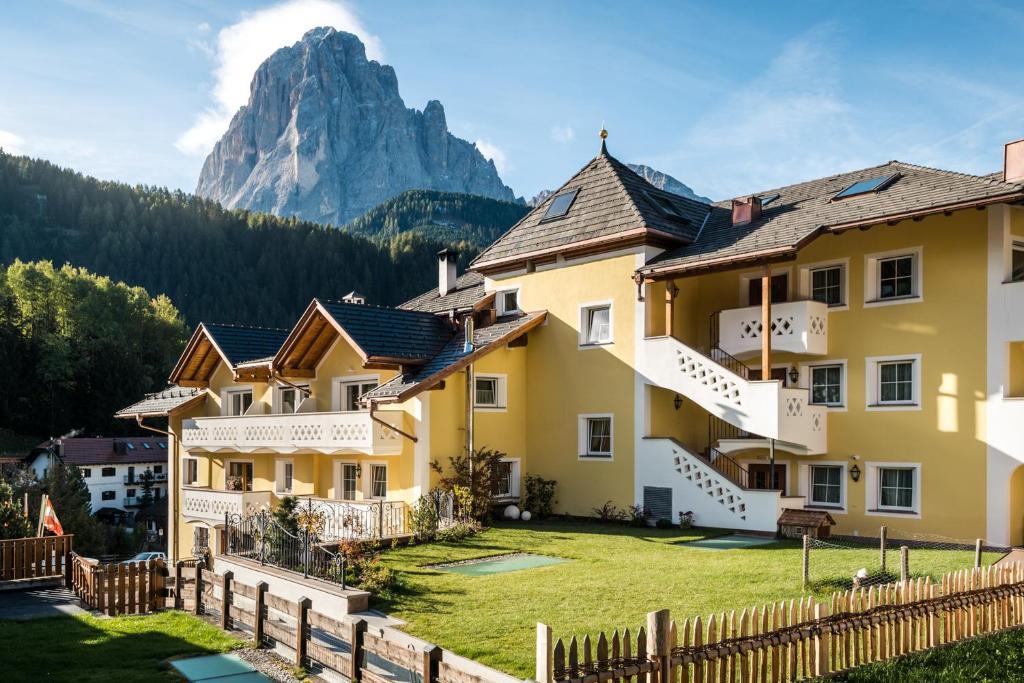Alpenhotel Plaza, Santa Cristina in Val Gardena – Prezzi aggiornati ...