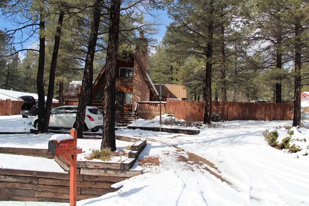 flagstaff chalet, az - booking