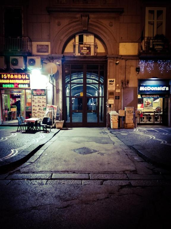 Il Divano Di Istanbul.Gina S Home 39 Garibaldi Apartment Neapolis Atnaujintos 2019 M