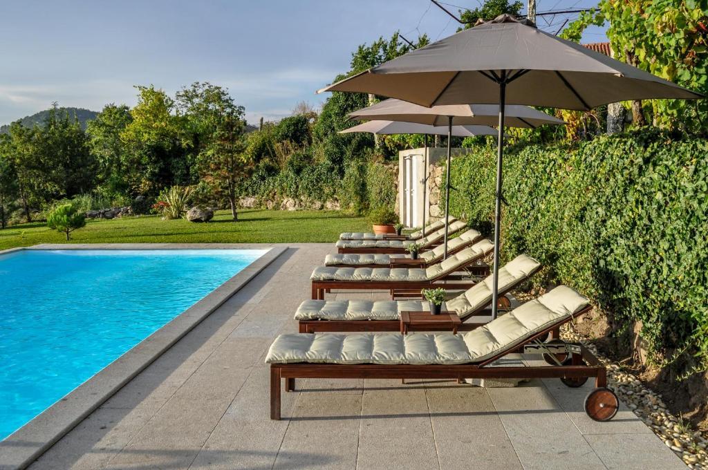 The swimming pool at or near Casa do Lameiro